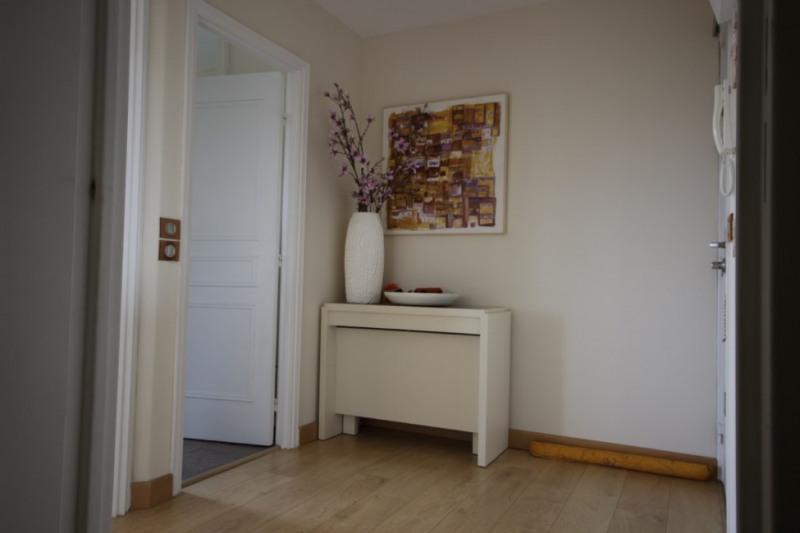 Deluxe sale apartment Courbevoie 1050000€ - Picture 7
