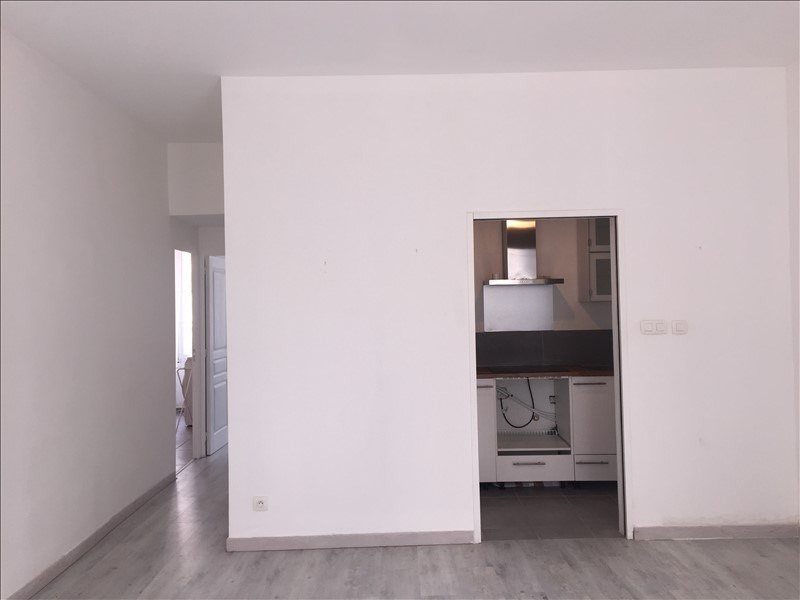 Rental apartment Marseille 5ème 560€ CC - Picture 2