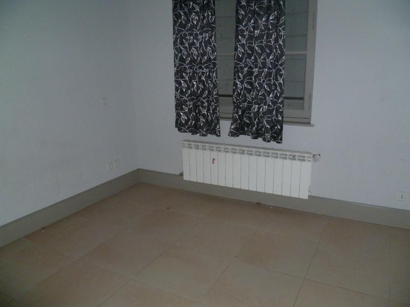 Location appartement Beaucaire 643€ CC - Photo 2