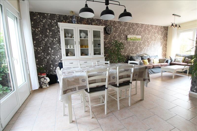 Sale house / villa Maurepas 339000€ - Picture 1