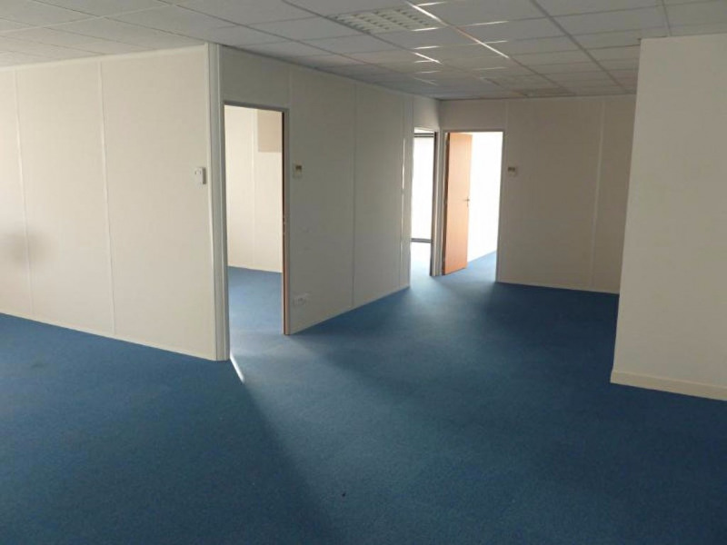 Sale office Change 149000€ - Picture 2