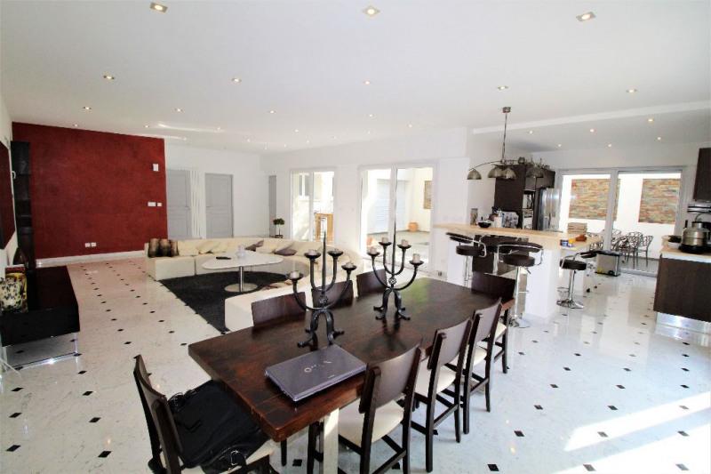 Deluxe sale house / villa Villeneuve loubet 995000€ - Picture 1