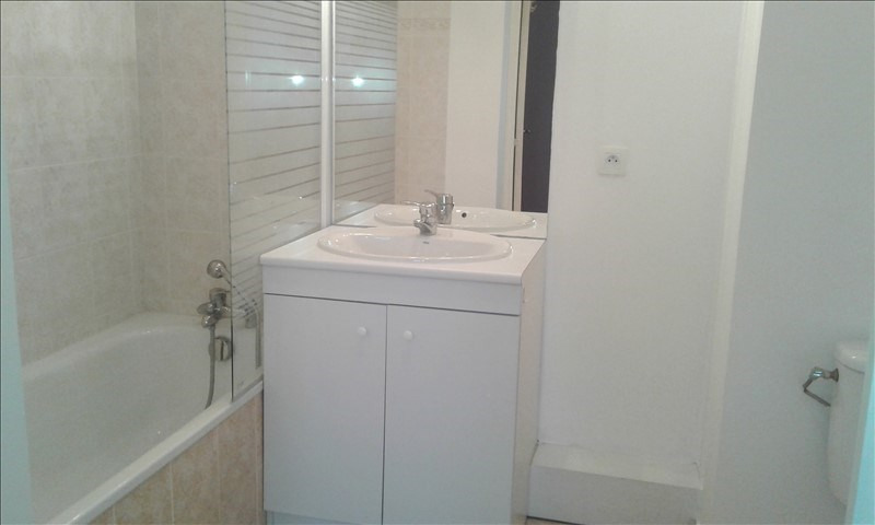 Location appartement St genis laval 590€ CC - Photo 6