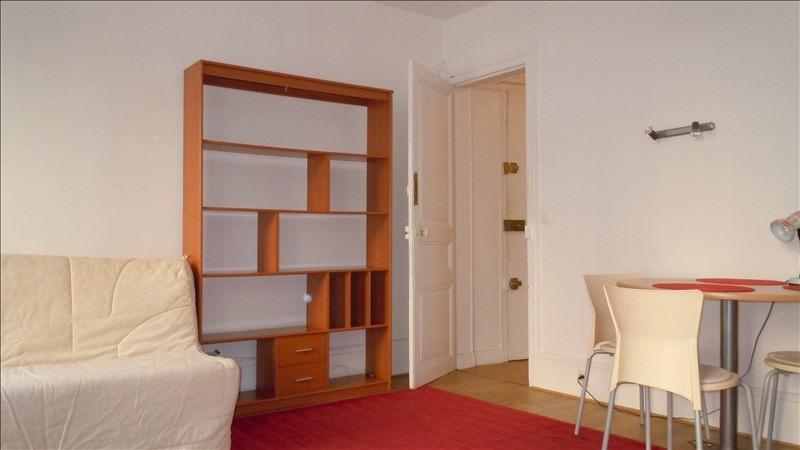 Location appartement Paris 15ème 825€ CC - Photo 2