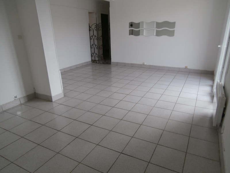 Rental apartment Salon de provence 670€ CC - Picture 2
