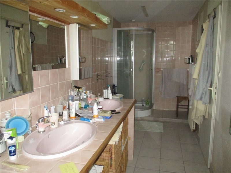 Rental house / villa St jean d angely 690€ CC - Picture 7