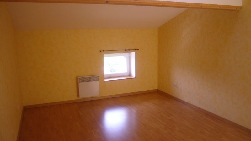 Location maison / villa Villasavary 630€ CC - Photo 11
