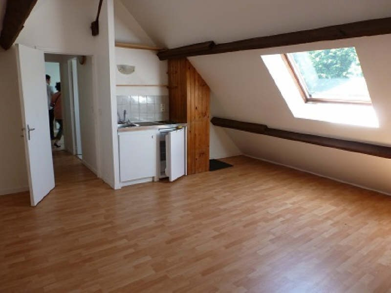 Rental apartment Le tremblay sur mauldre 640€ CC - Picture 1
