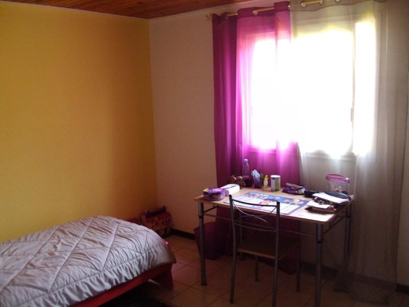 Location maison / villa Les trois mares 950€ +CH - Photo 8
