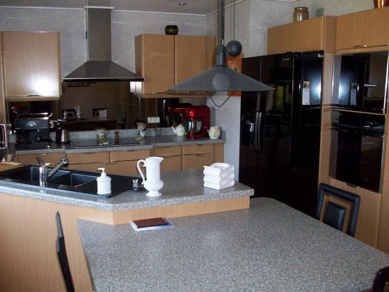 Sale house / villa Le coteau 295000€ - Picture 5