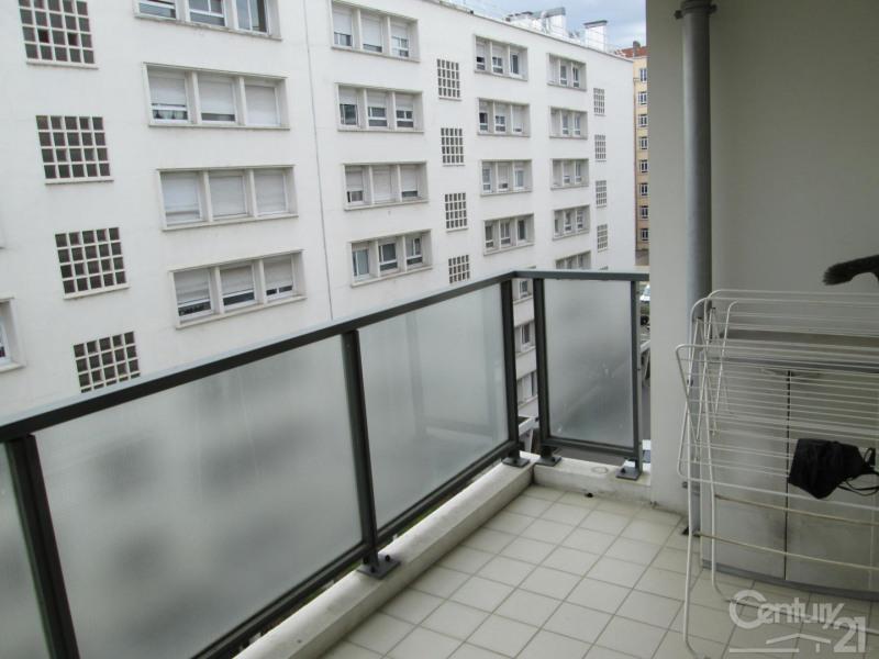 Sale apartment Lyon 7ème 395000€ - Picture 2