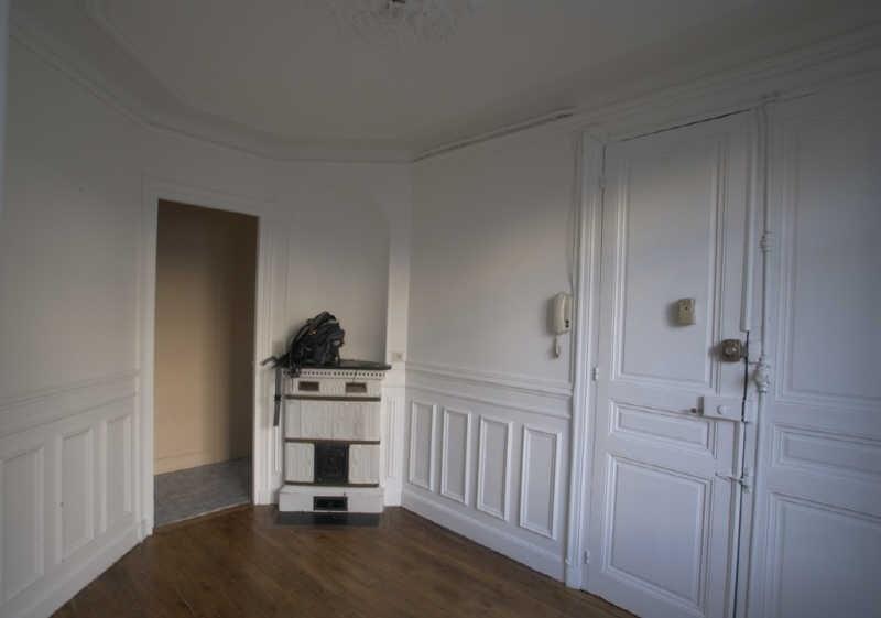 Rental apartment Paris 9ème 905€ CC - Picture 2