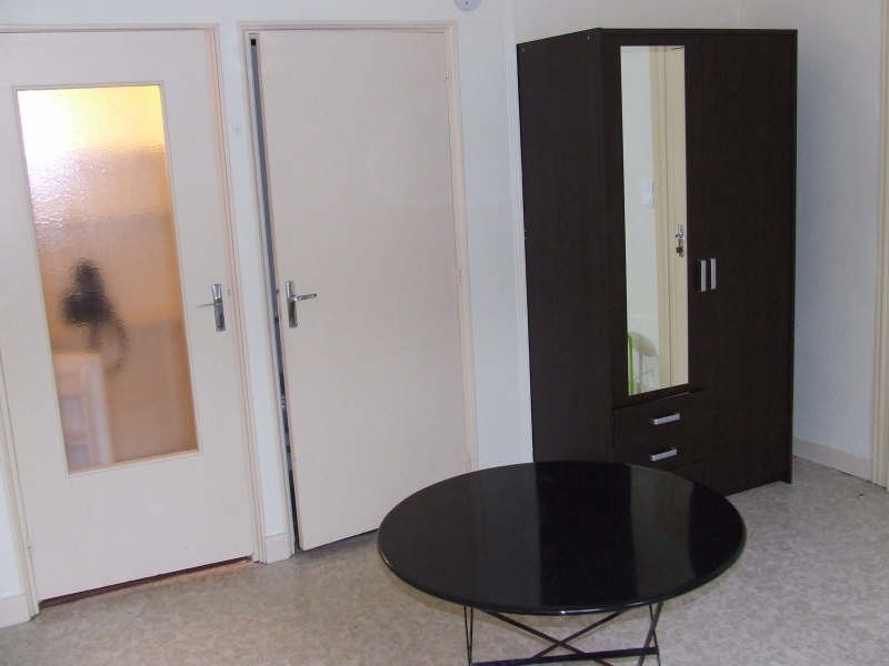 Location appartement Avesnes sur helpe 370€ CC - Photo 2