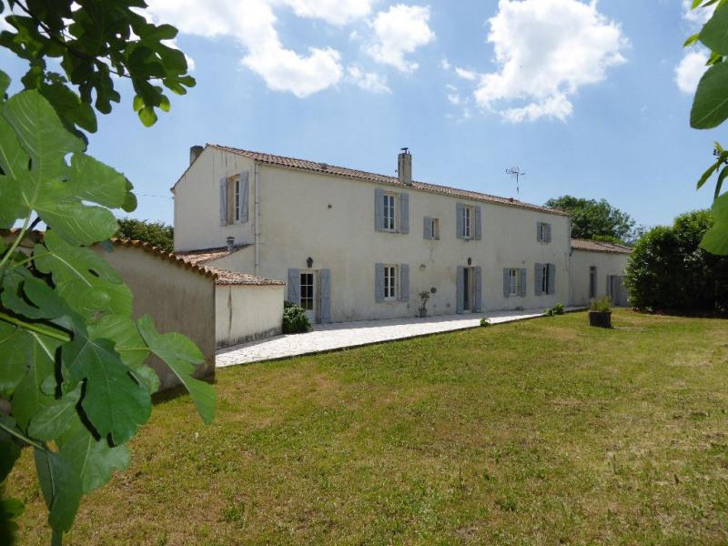 Deluxe sale house / villa Perigny 997500€ - Picture 1