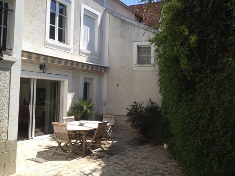 Sale house / villa Orgeval 895000€ - Picture 1