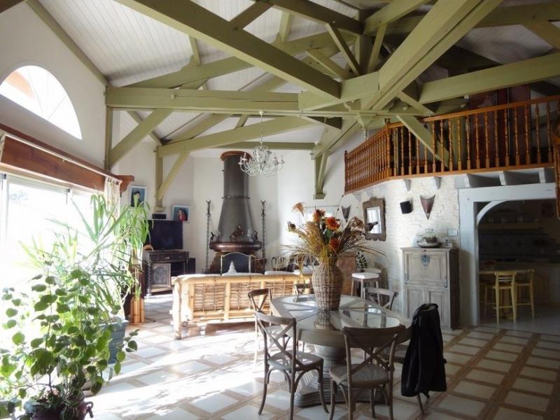Sale house / villa Chaillevette 389750€ - Picture 3