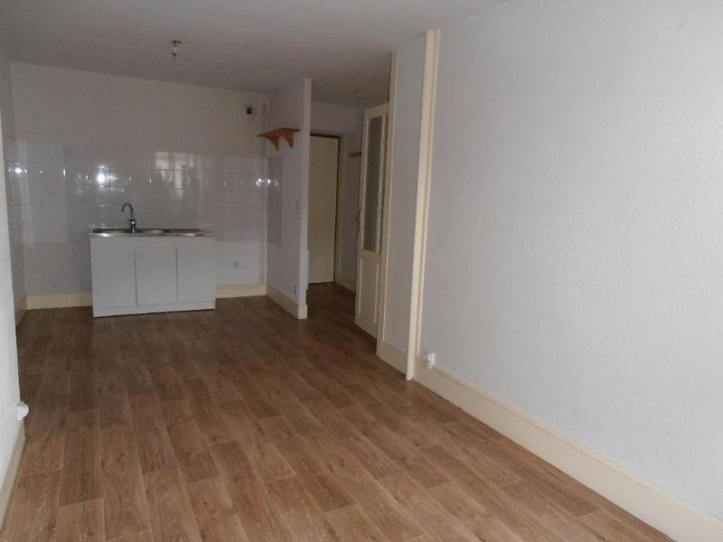Location appartement Nantua 361€ CC - Photo 3