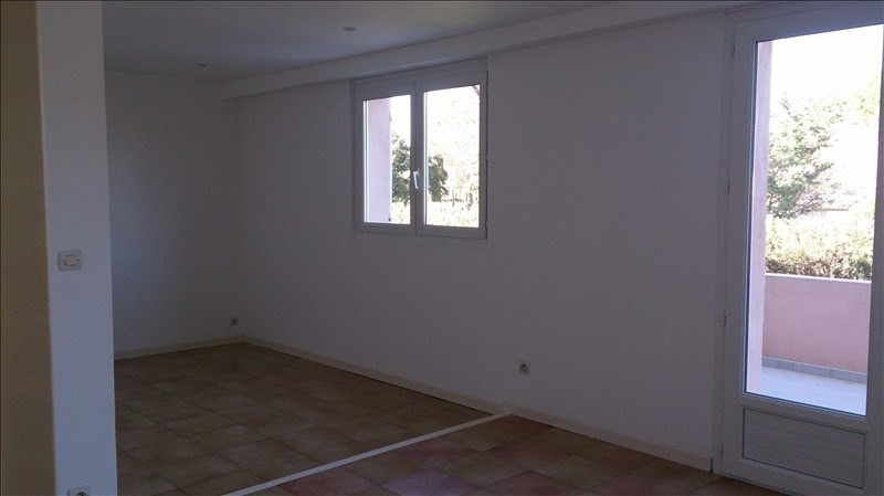 Rental apartment Saint bres 830€ CC - Picture 7