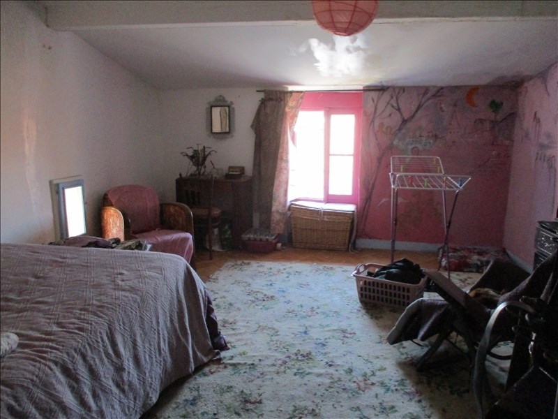 Sale house / villa St jean d angely 70200€ - Picture 4
