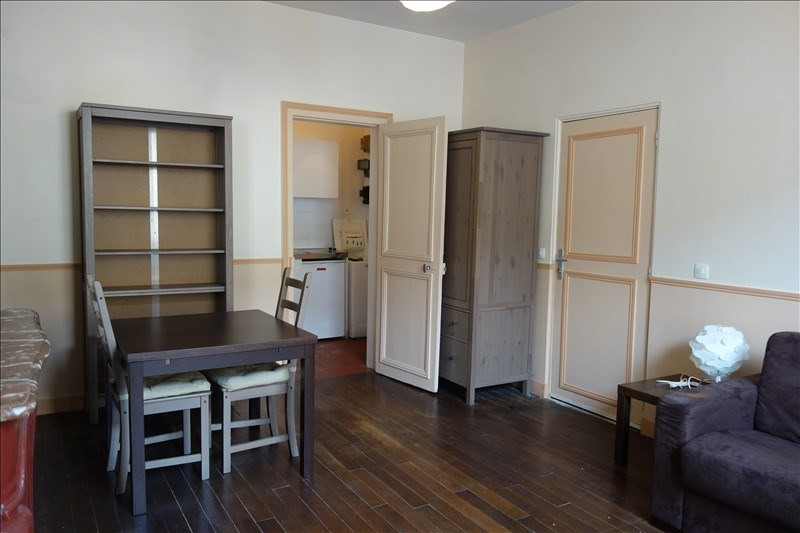 Rental apartment Versailles 795€ CC - Picture 1