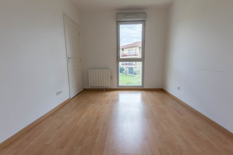 Rental house / villa Miribel 1014€ CC - Picture 6