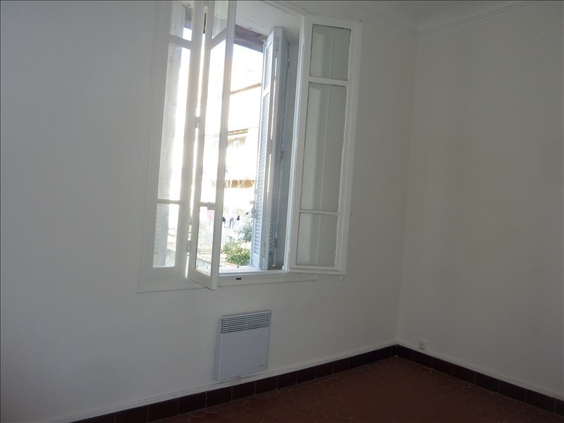 Location appartement Marseille 5ème 690€ CC - Photo 3