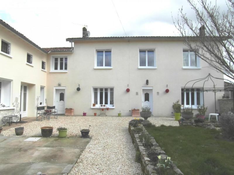 Sale house / villa Villefagnan 197950€ - Picture 1