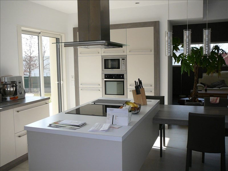 Sale house / villa La roche sur yon 379000€ - Picture 2
