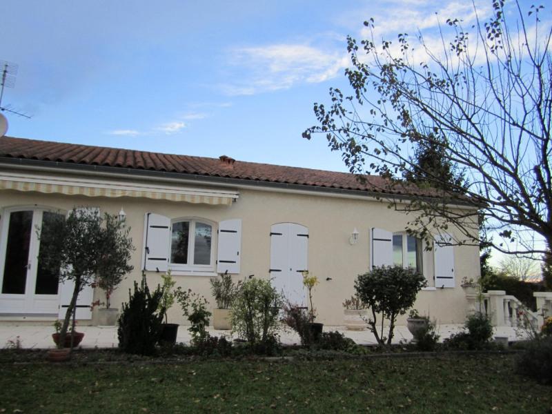 vente maison villa 4 pi ce s barbezieux saint hilaire 100 m avec 3 chambres 165 000. Black Bedroom Furniture Sets. Home Design Ideas