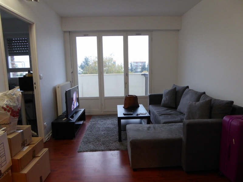 Location appartement Elancourt 634€ CC - Photo 1