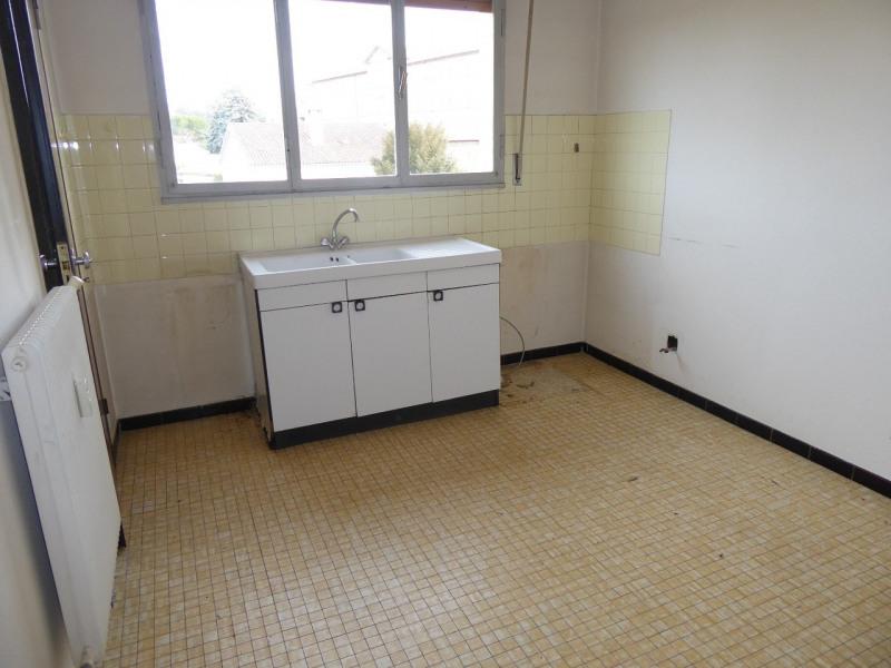 Location appartement Saint-étienne-de-fontbellon 540€ CC - Photo 2