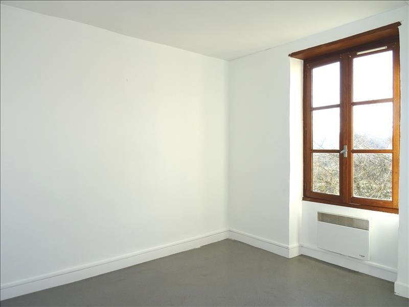 Location appartement Vougy 360€ CC - Photo 3