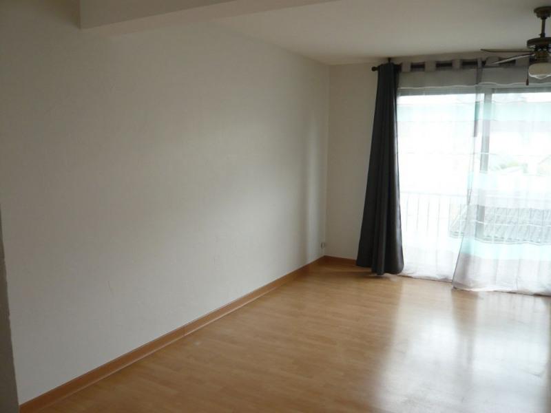 Rental apartment Laval 510€ CC - Picture 3