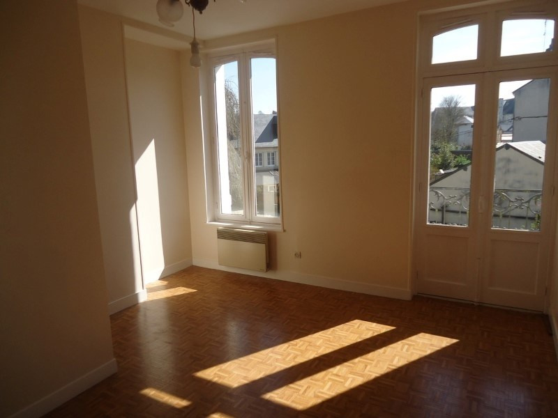 Rental apartment Lisieux 390€ CC - Picture 2