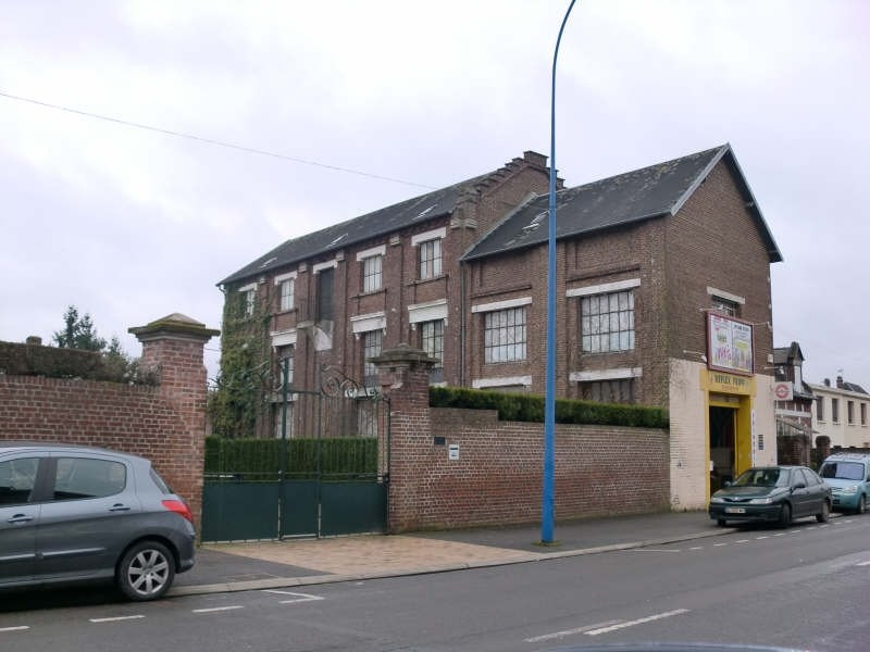 Sale building Chauny 95000€ - Picture 1