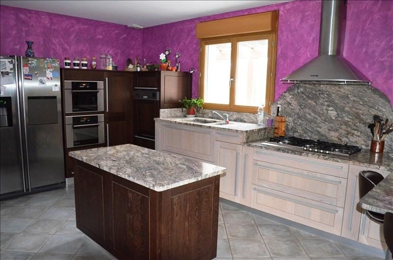 Sale house / villa Cour et buis 405000€ - Picture 6