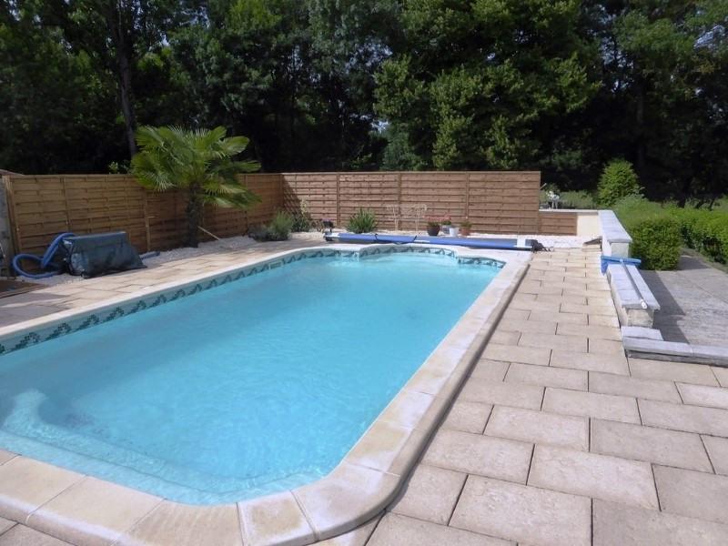 Sale house / villa St amant de graves 397500€ - Picture 9