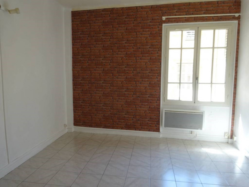 Rental apartment Avignon 443€ CC - Picture 1