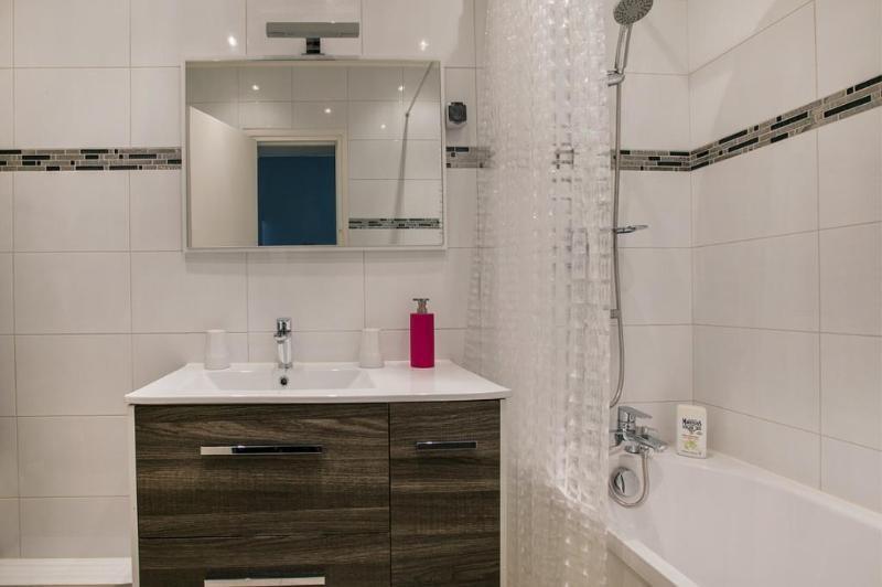 Location appartement Paris 8ème 1470€ CC - Photo 4