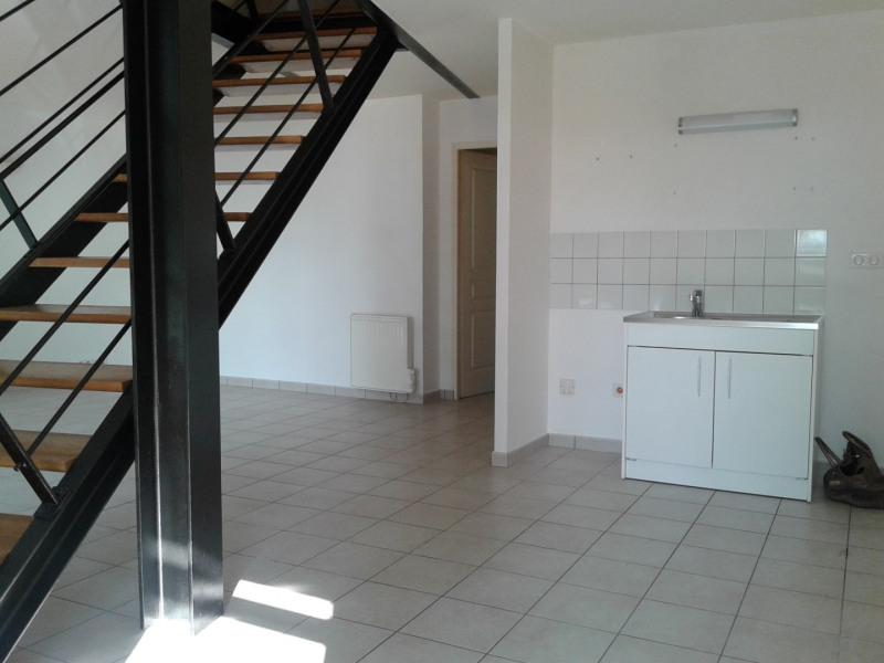 Location appartement Sainte foy les lyon 886€ CC - Photo 3