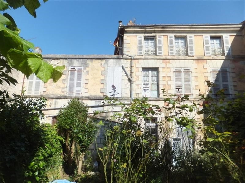 Sale house / villa Saint-jean-d'angély 157 500€ - Picture 1