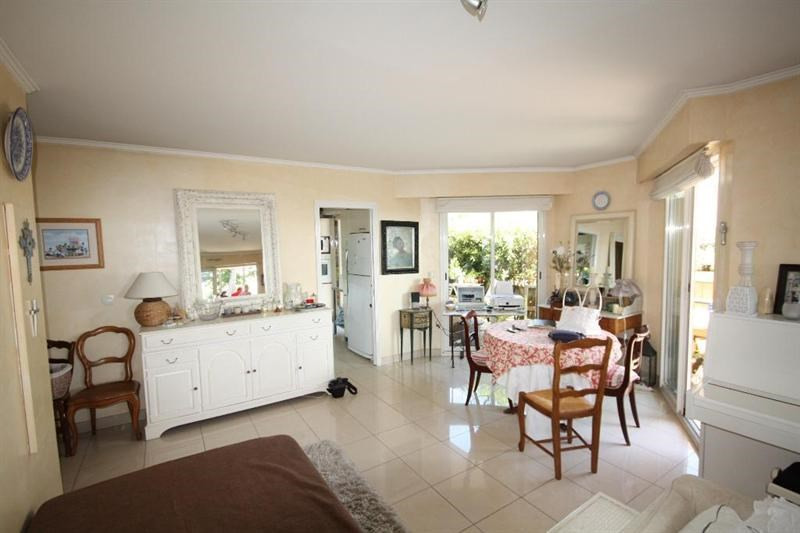 Sale apartment Antibes 598000€ - Picture 3