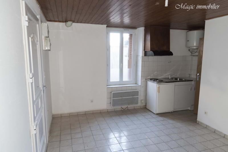 Location appartement Oyonnax 205€ CC - Photo 1