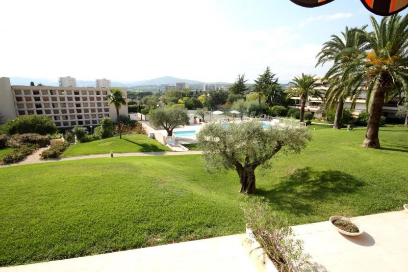 Sale apartment Antibes 297000€ - Picture 2