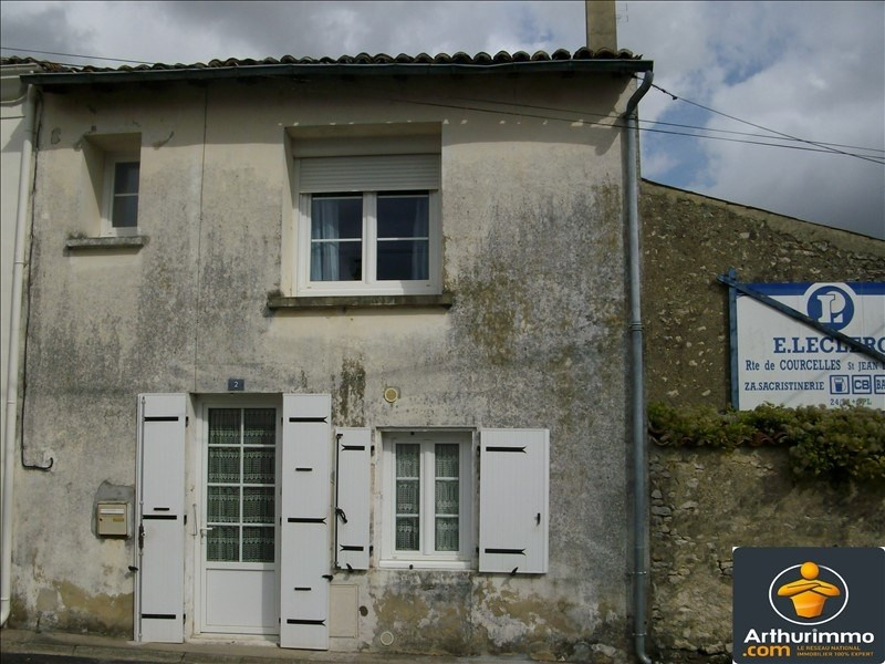 Sale house / villa St jean d angely 112000€ - Picture 1