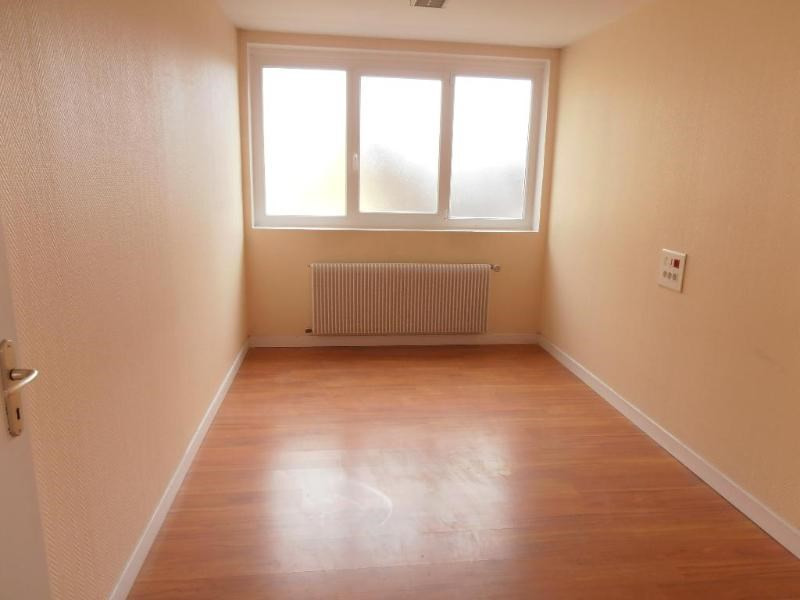 Sale empty room/storage Oyonnax 149000€ - Picture 2