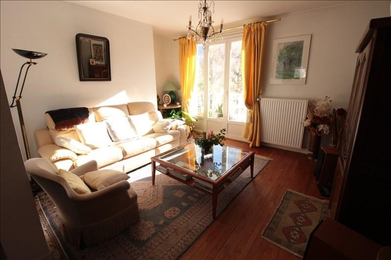 Sale apartment Annecy 265 000€ - Picture 1