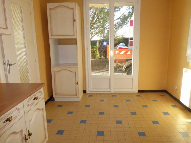 Location appartement Saint-étienne-de-fontbellon 535€ CC - Photo 3