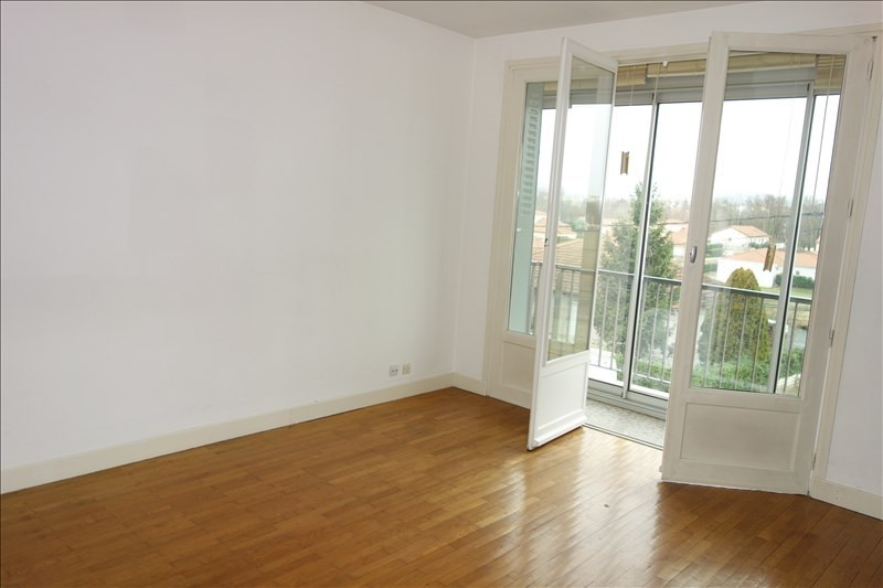Location appartement Le coteau 460€ CC - Photo 6