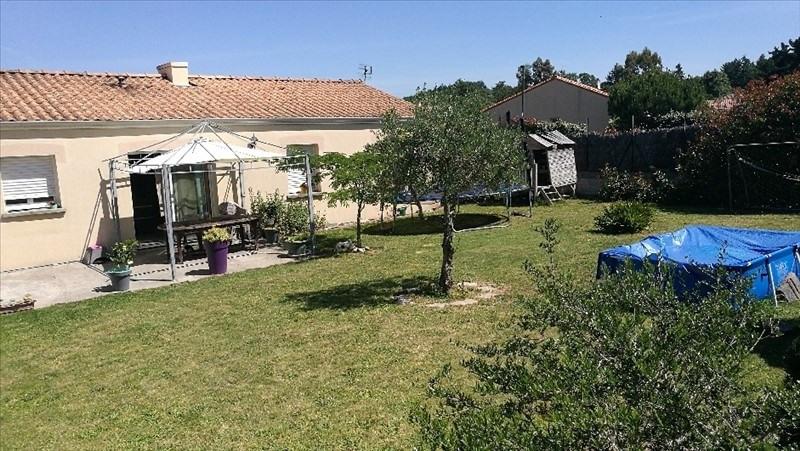 Sale house / villa St etienne du bois 165584€ - Picture 1